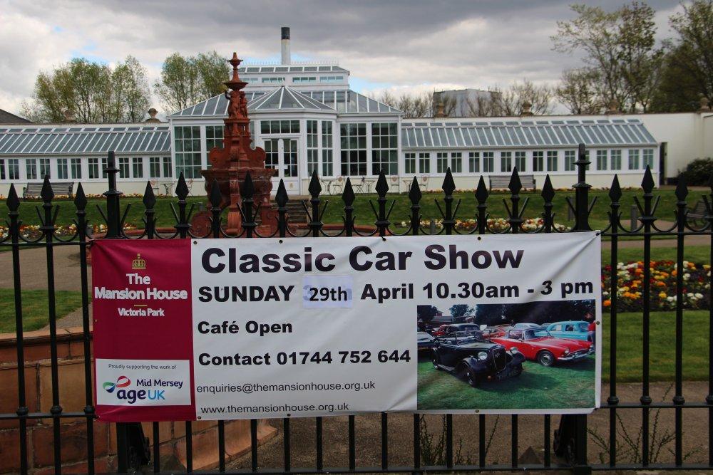 Classic_Car_Show_-_Victoria_Park.jpg