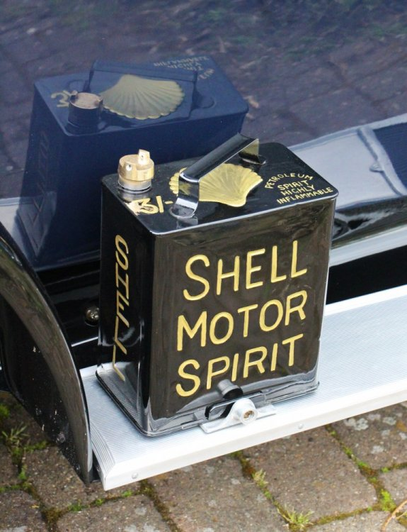 Classic_Shell_Motor_Oil_Can.jpg