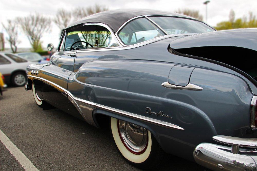 Elegant_Buick_Lines.jpg