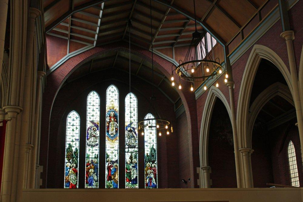 Inside_St_Thomas_Church,_Eccleston.jpg